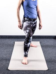 yoga-bei-knieschmerzen-fehler