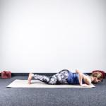 yoga-sonnengruss-erlernen-asthanga-namaskara-knie-brust-kinn