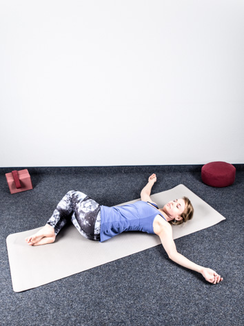 hock dreh lage yoga body. Black Bedroom Furniture Sets. Home Design Ideas