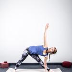 yoga-und-joggen-sonnengruss-tiefe-dreieck