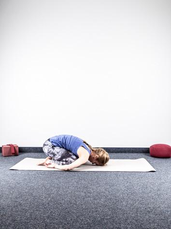 yoga asanas f r urvertrauen und innere kraft yoga body. Black Bedroom Furniture Sets. Home Design Ideas